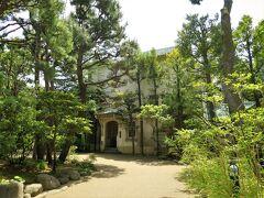 小田原文学館  小田原は、温暖な気候ゆえに、明治期以降は多くの政財界人や文学者が居住しました。文学者では、北原白秋や坂口安吾などの文学者など十数名にのぼります。