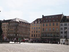 広場です。 レジデンツ宮殿の入り口が分かり難くて 迷いました。 分かり易い表示が欲しかったです。