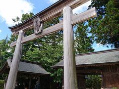 まずは八重垣神社へ。 松江駅のバス停で待っていたらおじさんがあんた八重垣行く人?バス来たよって教えてくれました。 快速バスが出ているようです。