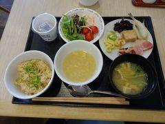 1日の始まりは朝食から~! こちらのホテルの朝食バイキングは スタンダードな和食、洋食に加えて ふぐ飯にふぐの一夜干しにふぐ雑炊… と、ご当地飯が充実していたのが旅人にはうれしかったです!
