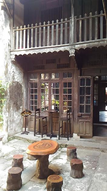 【貿易陶磁博物館】  建物の作りはフーンフンの家と同じ。 中国っぽいです。 博物館というほどの展示物はありません。  ふーんって感じ。