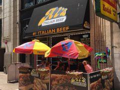 シカゴでは全部ジャンクなモノで行こうと思っていたので、 昼食はAl'sでイタリアンビーフ。 ホテルに向かう前に一度寄ったけど、OPENの11時過ぎても、まだ閉まっていたので出直しました・・・さすが大雑把なアメリカ(;^_^A 出直した訳は、なにやら5/26はセールでレギュラーサイズが2.99ドル!! 安いので悩まず購入。 こちらのはほぼ肉です・・・パンは肉を持つためにある、みたいな感じです。 ソースの量も選べます。 デフォはWetなので、かなり汁だくです(笑) ベタベタになるのが嫌な方はDryで注文が良いと思います。  日本時間の深夜にはかなりヘビーな昼食でした(^ ^;)