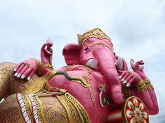 ガネーシャは学問と商売の神様で、宗教を超えて、タイでも人気があるのだそう。