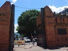 ★旧市街 ------------------------------------------ わーい!ターペー門! さて、どこ行こう。 旧市街のカフェでGRAPHとGINGER CAFÉを候補にしてたけど、ニマンヘミンにあるしなぁ。