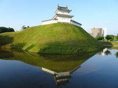 宇都宮城跡。復元された櫓などがありました。
