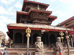 タチュパル広場にあるダッタトラヤ寺院です。