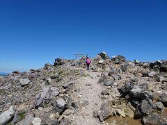 僅か20分程度で茶臼岳(1915m)に登頂! 日本百名山の51座目。