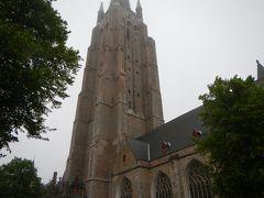 そしてもうひとつ高い塔がとても気になっていた・・「聖母教会」へ。 こちらの高さは123m・・って鐘楼より断然高いんだね~。