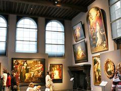 【ルーベンスの家】《アトリエ》  天井の高いこのアトリエ(工房)で数々の作品が 生み出されたと思うと、大変感慨深いです。