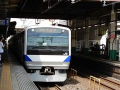 例によって旅の始まりは柏駅・・・。 常磐線快速上野行に乗ります。
