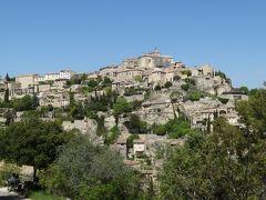 まるで、天空の城ラピュタ!?   フランスでは「鷲の巣村」と呼ばれているとか。 石造りの家が崖にへばりつくようにひしめき合っているが、計算されて作られたかのような美しさ。