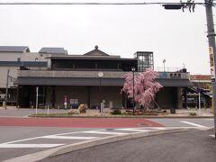 来た時間に電車に乗ってきた方もほとんどいなかったので、長浜駅前もまだ静か。。。
