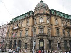 戦災にあっていない街なので昔からの古い建物がかなり残っていて、旧ソ連時代の統一感のある建物とかはあまりない気がする。