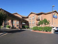 宿泊はペイジの町の小ぢんまりしたホテル、デイズイン&スイーツ・ページ・レイクパウエルです。