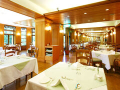 「中善寺金谷ホテル」「レストラン・みずなら」です。  全景撮影できませんでしたので、HPより拝借しました。