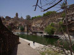 チットールガル城(クンバ・パレス、ミラー寺、コンプシャン寺、勝利の塔)見学