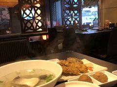 魯肉飯、サバヒースープ、海老すり身揚げ、肉団子の醤油煮。
