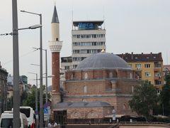 少し移動すると16世紀に作られたイスラム教のモスク
