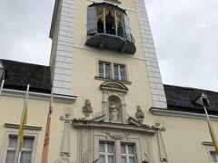ウィーンの森にあるシトー会の修道院。 キリストが磔になった十字架の欠片が聖遺物として納められているという触れ込みで、ハイリゲンクロイツ=聖なる十字架、と名付けられている。