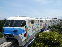 一度東京ディズニーランドを後にし、ディズニーリゾートラインに乗ります。