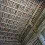 ●仁王門@立石寺  仁王門の天井。 天井にどうやって貼ったのだろう???
