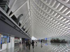 4年ぶりの台北(2年ぶりの台湾)です。 ほぼ定刻通り桃園空港に到着しました。