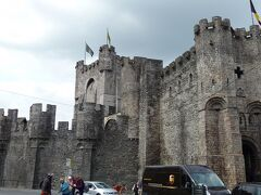 フランドル伯の居城  フランドル地方に残る唯一の中世城塞です。