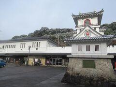 1月11日。午前9時を10分ほど過ぎた人吉駅。