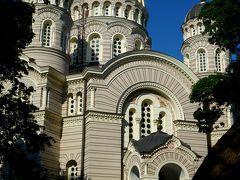 公園の中にはビザンチン様式の救世主生誕大聖堂。 19世紀のロシア正教教会。疲れていたので中へは入りませんでした。