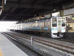 甲府駅で降り、普通電車で石和温泉駅まで戻る。