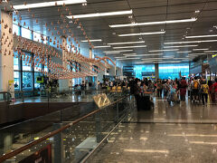 チャンギ空港へ戻ってきました  ターミナル1です