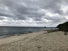 お隣の大浜海浜公園は夕日が美しいらしいのですがお天気が悪い……