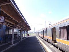 しばらくして松阪駅へ到着。 伊勢市から20分位。あっという間ですね。