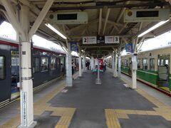 20分ほど乗り、終点の小諸駅で長野行きに乗り換え。