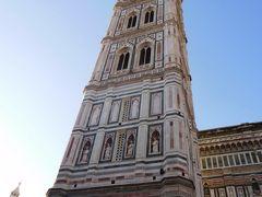 ジョットの鐘楼。  ジョット・ディ・ボンドーネが基本設計を手がけたのでそう呼ばれます。