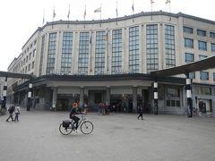 そしてブリュッセル中央駅へ。 こちらは「カルフール・ド・ヨーロッパ」出口。