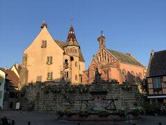 エギスハイム城と聖レオンの礼拝堂  1888年~1894年にかけて建築されたネオ・ロマネスク様式の礼拝堂。聖レオン9世の生家であり、天守閣跡に建築されました。正面にはレオン9世の像を持ちます。聖レオン9世は、ローマ教皇として始めて教会改革に着手し、聖職売買や聖職者妻帯の禁止の決議を行いました。