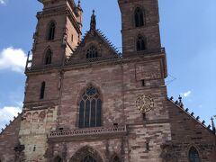 バーゼル大聖堂が以下  続きます