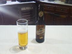 ハマム広場と繫がるマクゼン広場にあるホテルパラドール。 ここにはバーが有りビールが飲める。 小瓶が40DHといい値段だが散歩後のビールは格別!