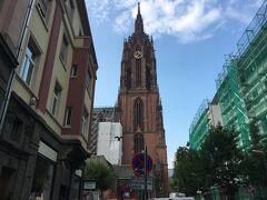 満足したので、次なる場所へ。大聖堂は開いてないので外観だけ~。