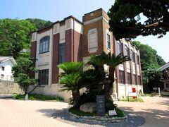 龍野醤油同業組合が大正13年に建設した旧組合事務所は大正ロマン館として、うすくち龍野醤油資料館の別館として活用されています。