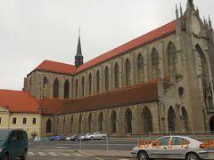 15分ほど歩いて聖母マリア大聖堂に着きました。