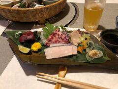 この日の晩は、大阪にいる当地からの帰国者との飲み会です。 肥後橋近くのクジラ料理屋さんです。