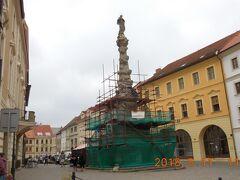 聖母マリアの柱像