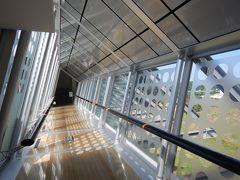 美術品は撮影不可ですが、渡り廊下など建物は撮影可能です。