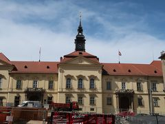 ドミニコ広場にある新市庁舎です。