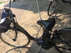 遺産地帯自体は車の乗りれは禁止なので。  石見銀山公園駐車場で車を置いて、貸自転車をかります。(オール電動!)  間歩までは歩いて45分の坂道も、これなららくちん15分!  確か2時間400円とかなので、迷わず借りるべきです!