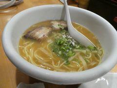 せっかくなので、2軒目へ。 松山ラーメンはスープが甘いのが特徴。 汁なしも注文しましたが、こちらの方が好みでした。