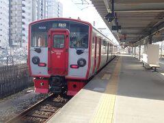 豊肥本線の肥後大津(ひごおおづ)行き列車は815系の2両編成でした。