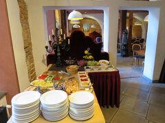 ----10)想像力を刺激するユーゲントシュティール建築群  https://4travel.jp/travelogue/11384121 からの続きです----  朝7時30分、ホテル ジャスタスで朝食です。